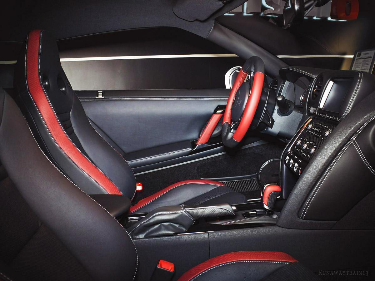 Nissan GT-R Runawaytrain13