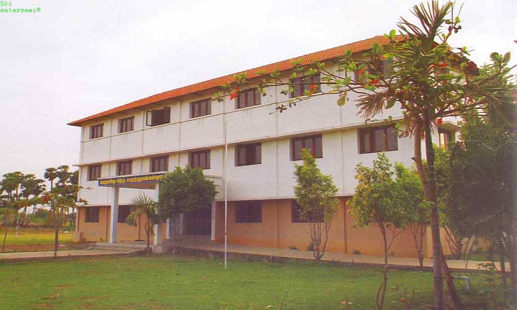 Velumailu SMC and Hospital Image
