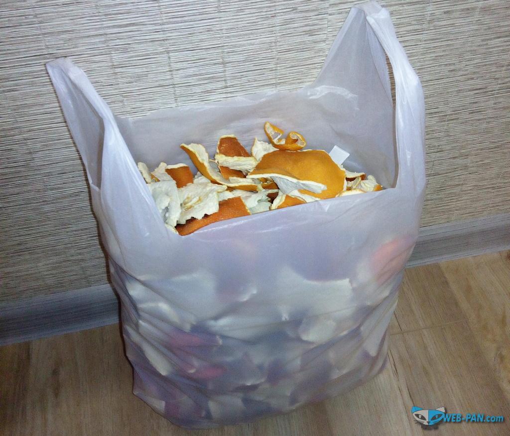 Столько корок апельсина собралось в шкафах, за этот год, и ничего не останется моли и их личинкам!
