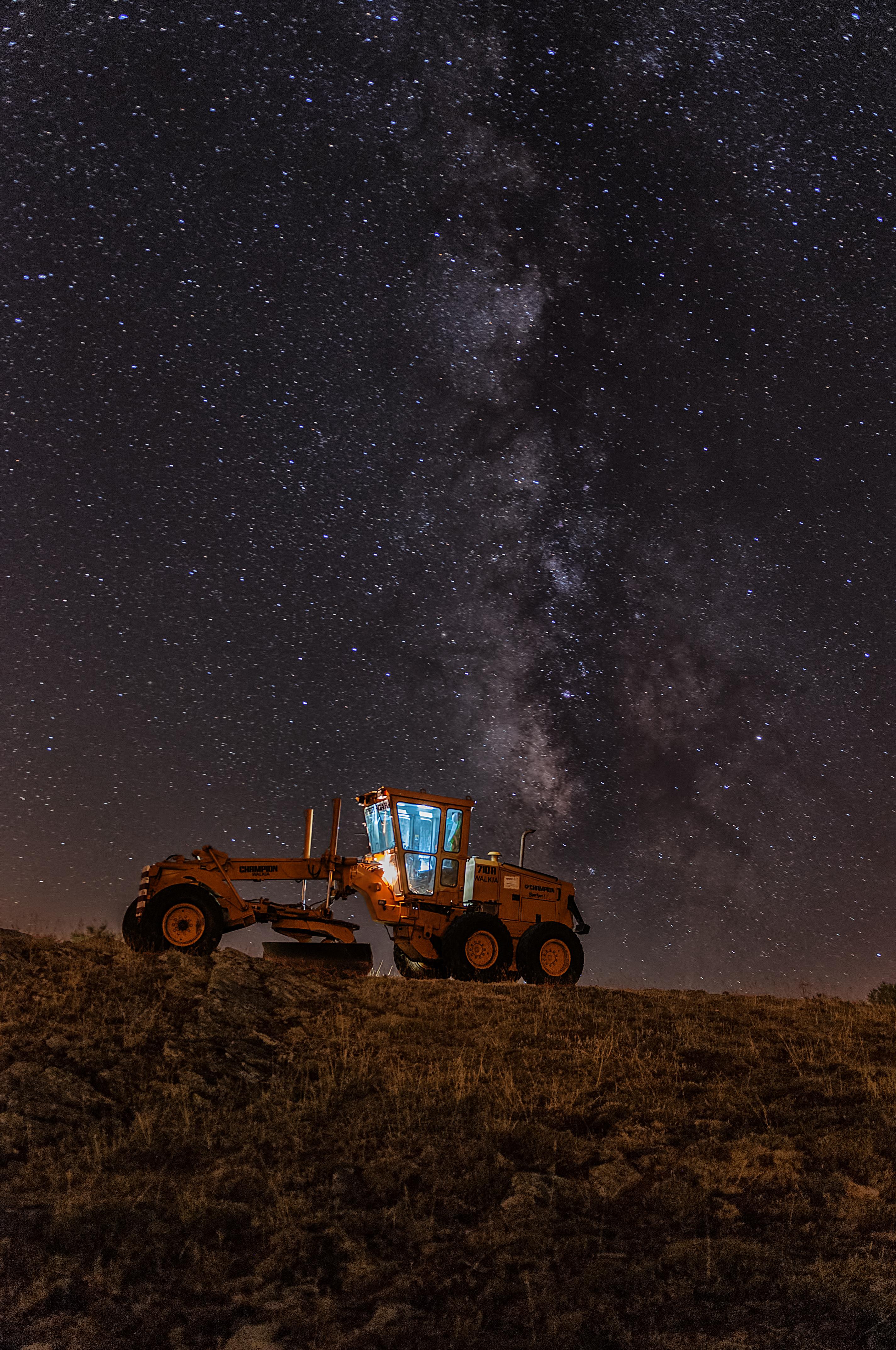 tractor V%C3%ADa%20l%C3%A1ctea%20escavadora4