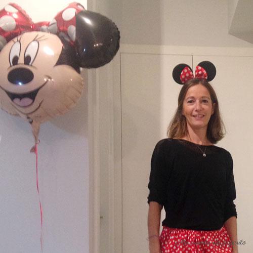 globo y disfraz de minnie mouse