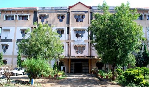 Adv. V. R. Manohar Institute Of Diploma In Pharmacy, Nagpur