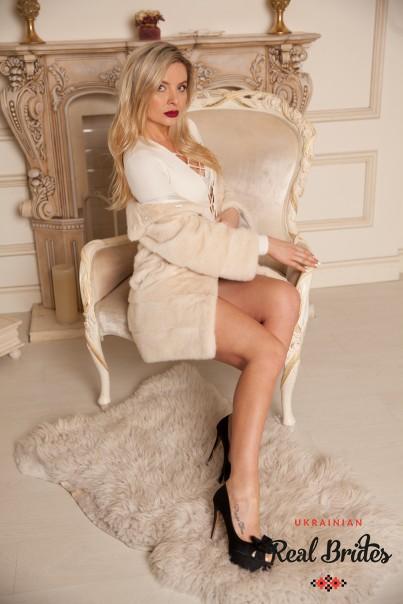 Photo gallery №5 Ukrainian lady Alona
