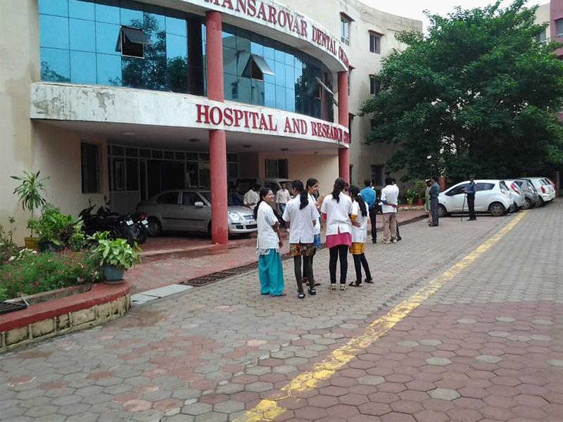 Mansarover Dental College, Bhopal Image