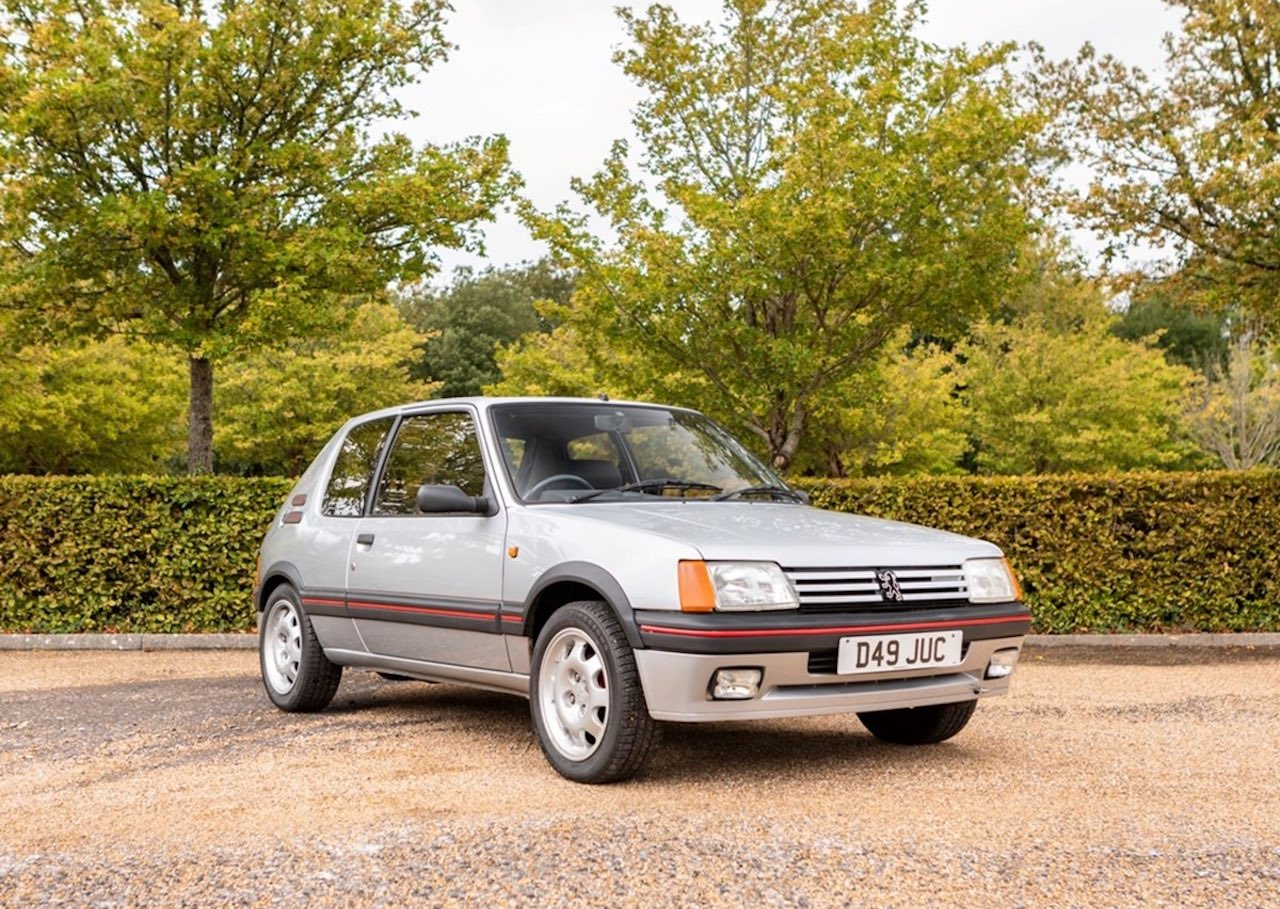 Historics sell Mercedes SL and Vauxhall Cresta for record sum