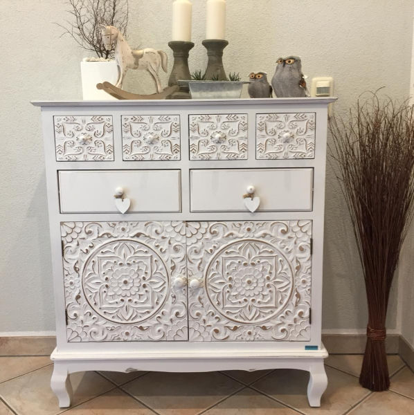 White commode with dekoration