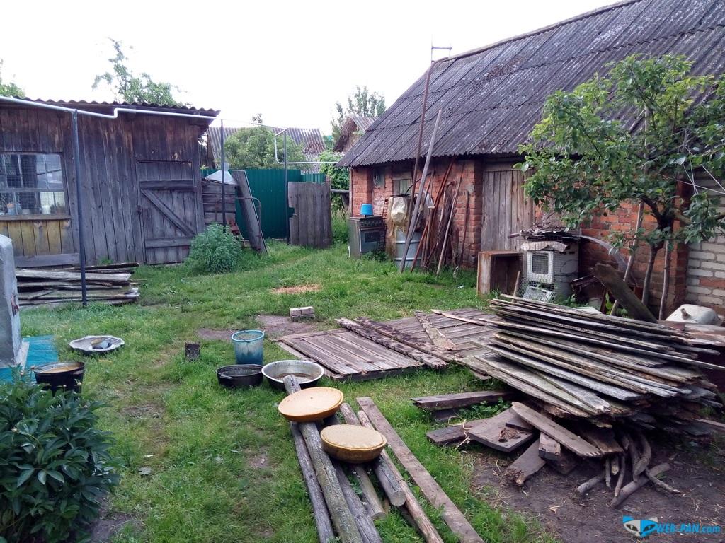 Задни двор в деревне, работать и работать!