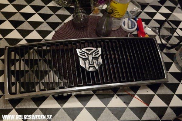 dl.dropboxusercontent.com/s/j4zqooqkkcdrza3/Volvo_transformers_Autobot_grill.jpg