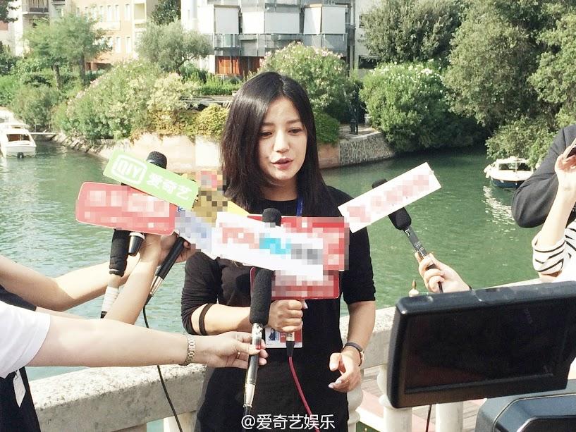 Triệu Vy trả lời báo giới tại LHP Venice 73