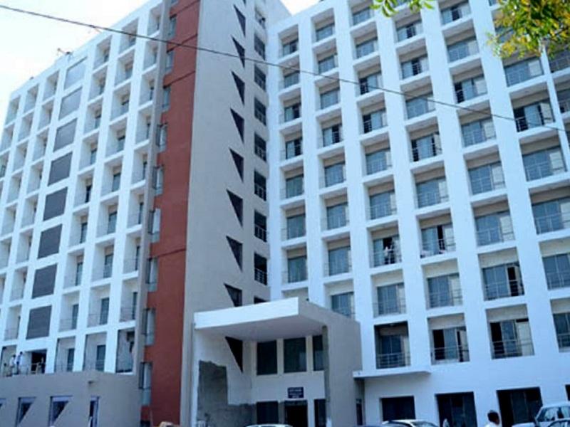 GMERS Medical College, Gandhinagar Image