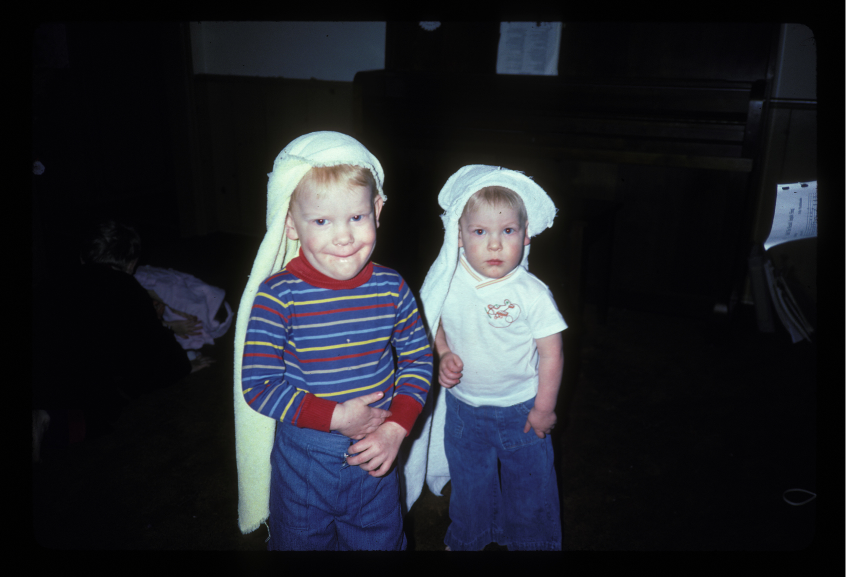 Image: Boys with towels on their heads