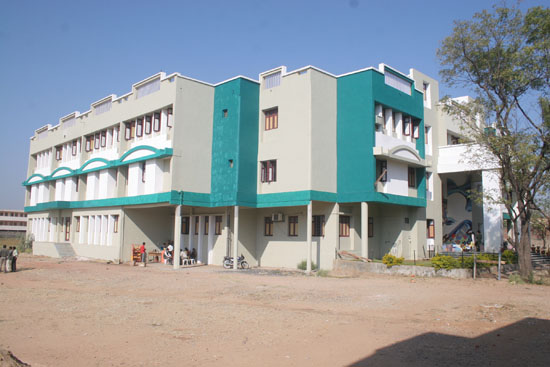A.P.M.C. College Of Pharmaceutical Education And Research, Sabarkantha