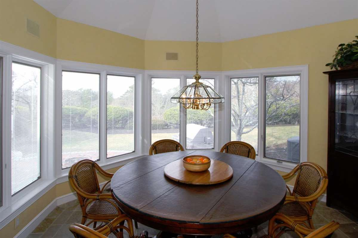 18 Farm Hill Road Spacious Breakfast Nook