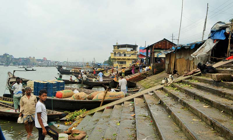Dhaka: the city where climate refugees are already a reality
