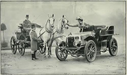 Quand les voitures ont-elles remplacé les chevaux ?