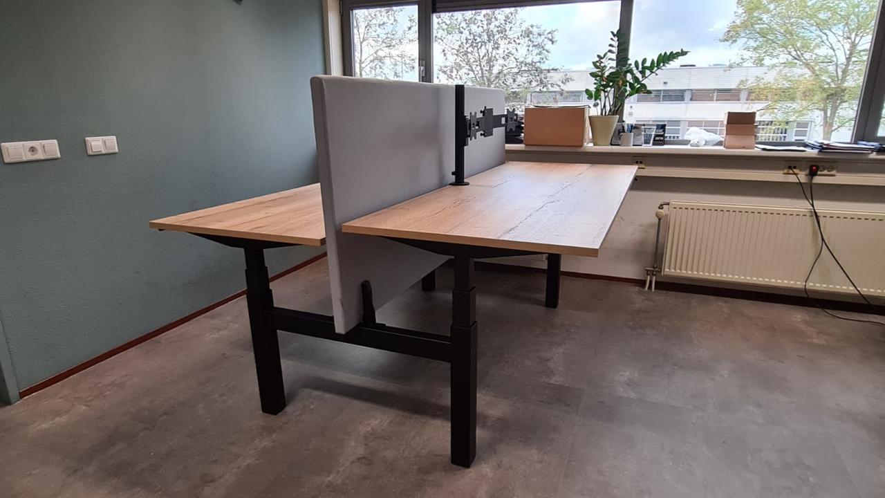 Dubbel Elektrisch Zit-Sta Bureau - SteelForce470