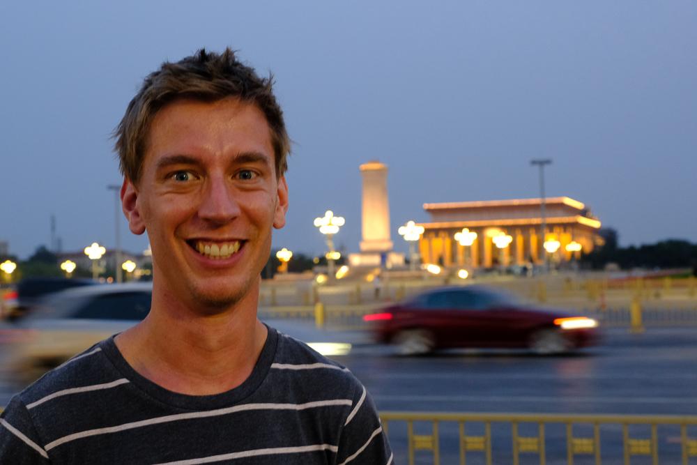 Thijs op het Tiananmenplein.