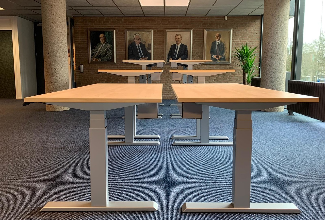 SteelForce 670 staand bureau