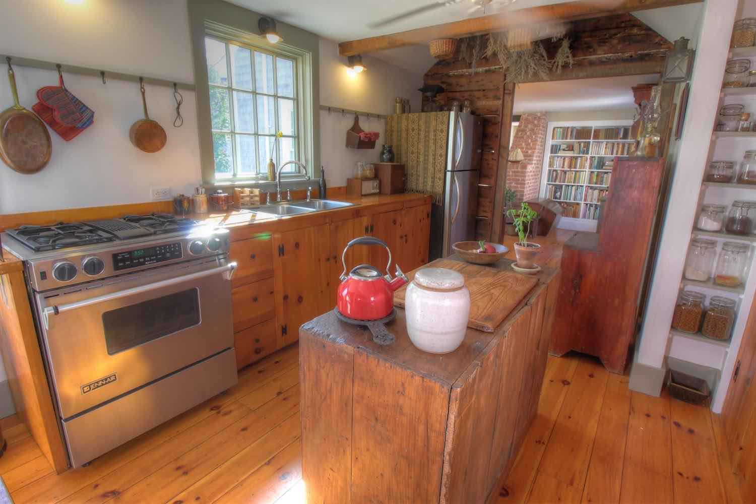 22 East Commercial Street Country Kitchen