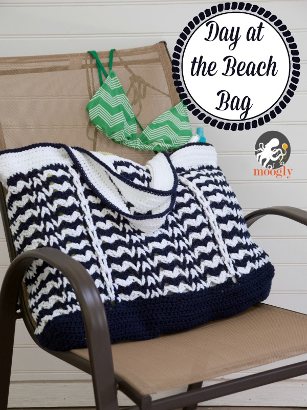 Day at the Beach Bag Free Crochet Pattern  |  via Crochetrendy