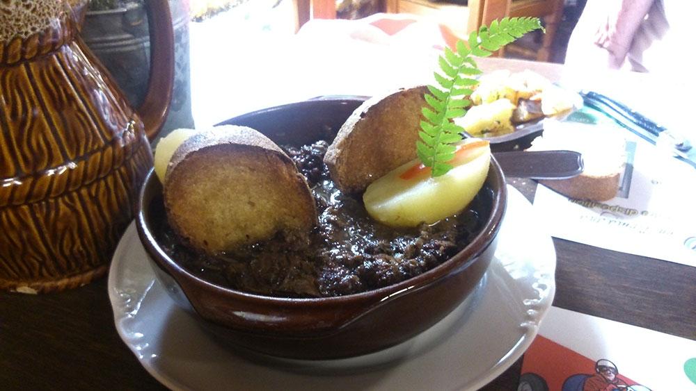 Quelques spécialitées culinaires du sud ouest  Civet-de-cerf