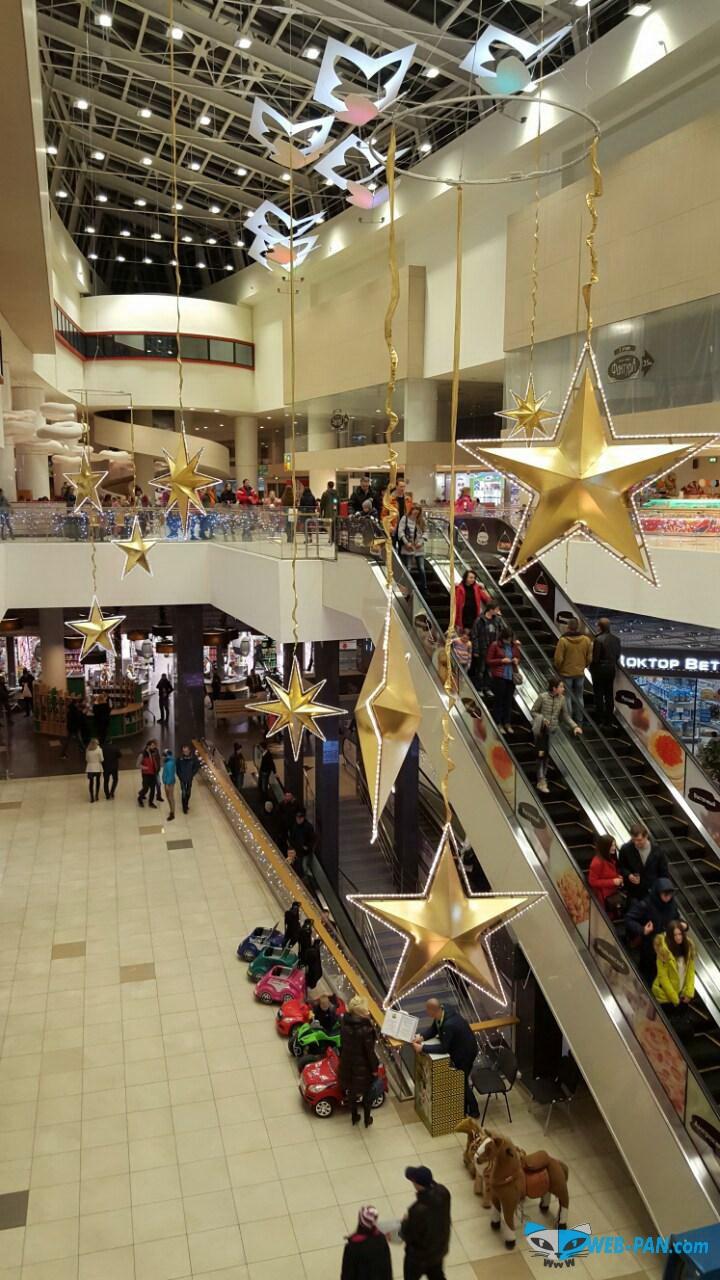 Взгляд на торговый центр и его оформление. Фото 1