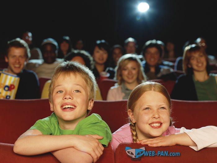 Возрастные ограничения в кино: снова активировались, и все стали вструнку!