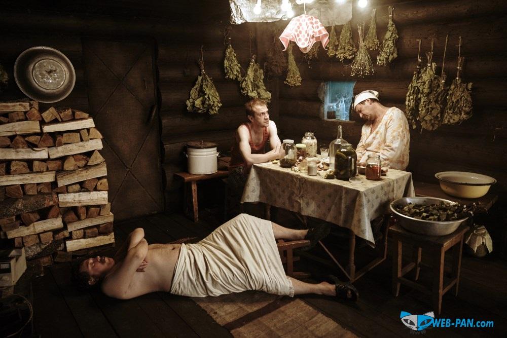 Типичная сцена в бане - все уже в отрубе, хозяин ещё держится! Страна чудес, 2015 г.