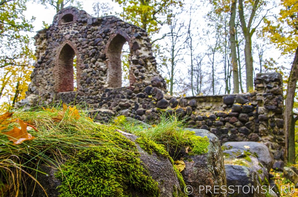 Руины средневекового Кримулдского замка