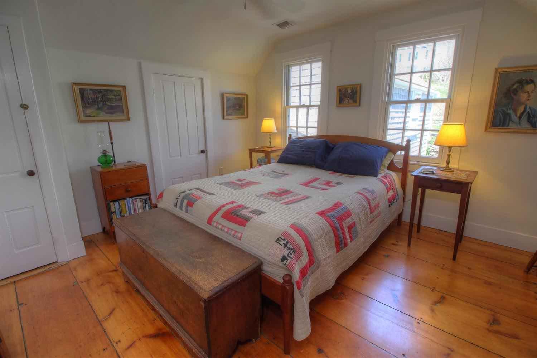 22 East Commercial Street 2nd Floor Bedroom 3