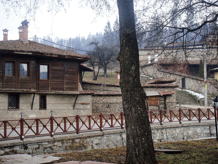 Маленький городок, затерянный в горах Болгарии.