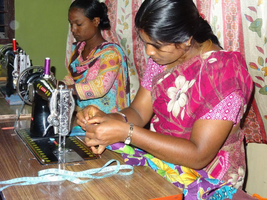 Näh-und Handarbeitsunterricht im LEED-Center