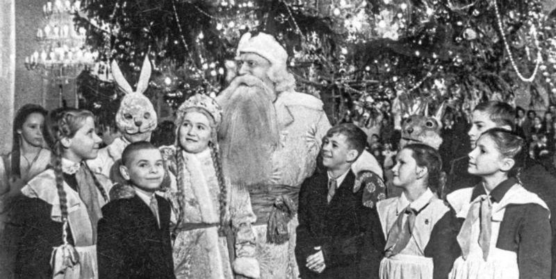 У новогодней ёлки в Колонном зале Дома Союзов, 29 декабря 1952 г