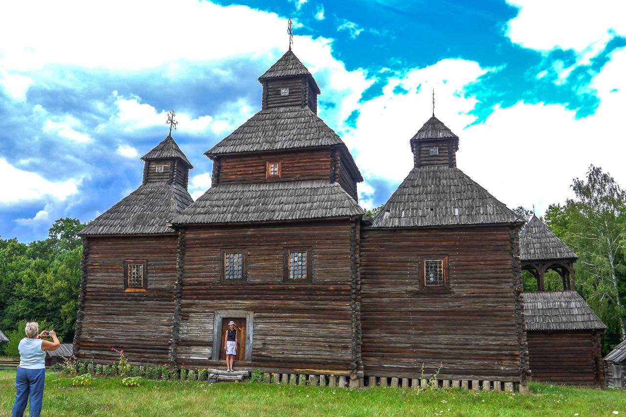 Воскресенская церковь из села Кисоричи, Ровненская область.