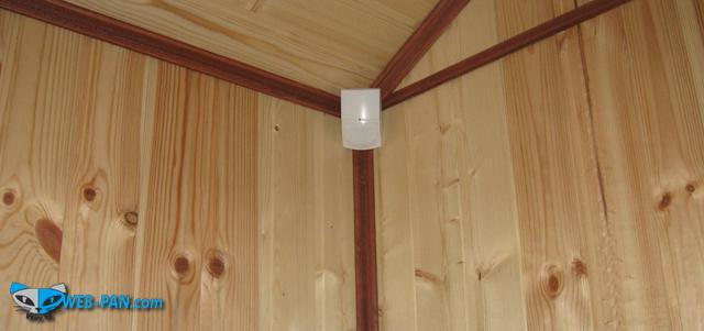 Датчики охранной сигнализации установленные в доме, с детекторным микрофоном на разбитие стекла, на голос людей, не реагирует на домашних животных до 25 кг.!