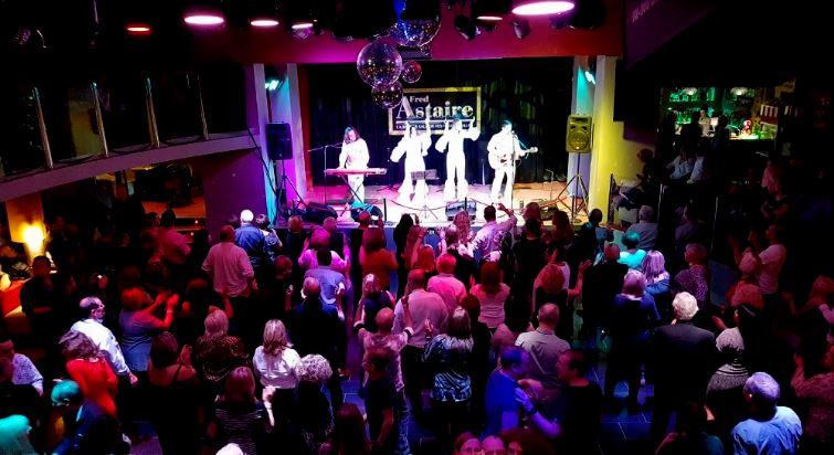 ABBA4-banda-tributo-abba-solo-voces-eventos-tinglaglados-management