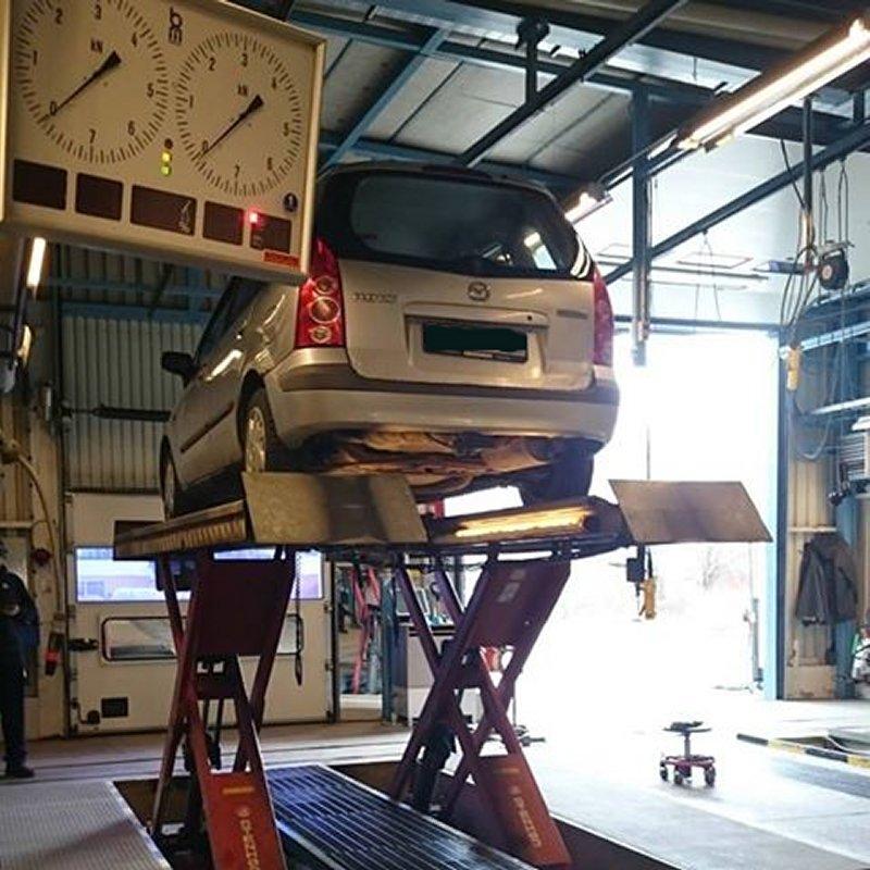 dl.dropboxusercontent.com/s/pdrzr4rzmuf5nqn/Mazda_Premacy_bilprovning_bromstest.jpg