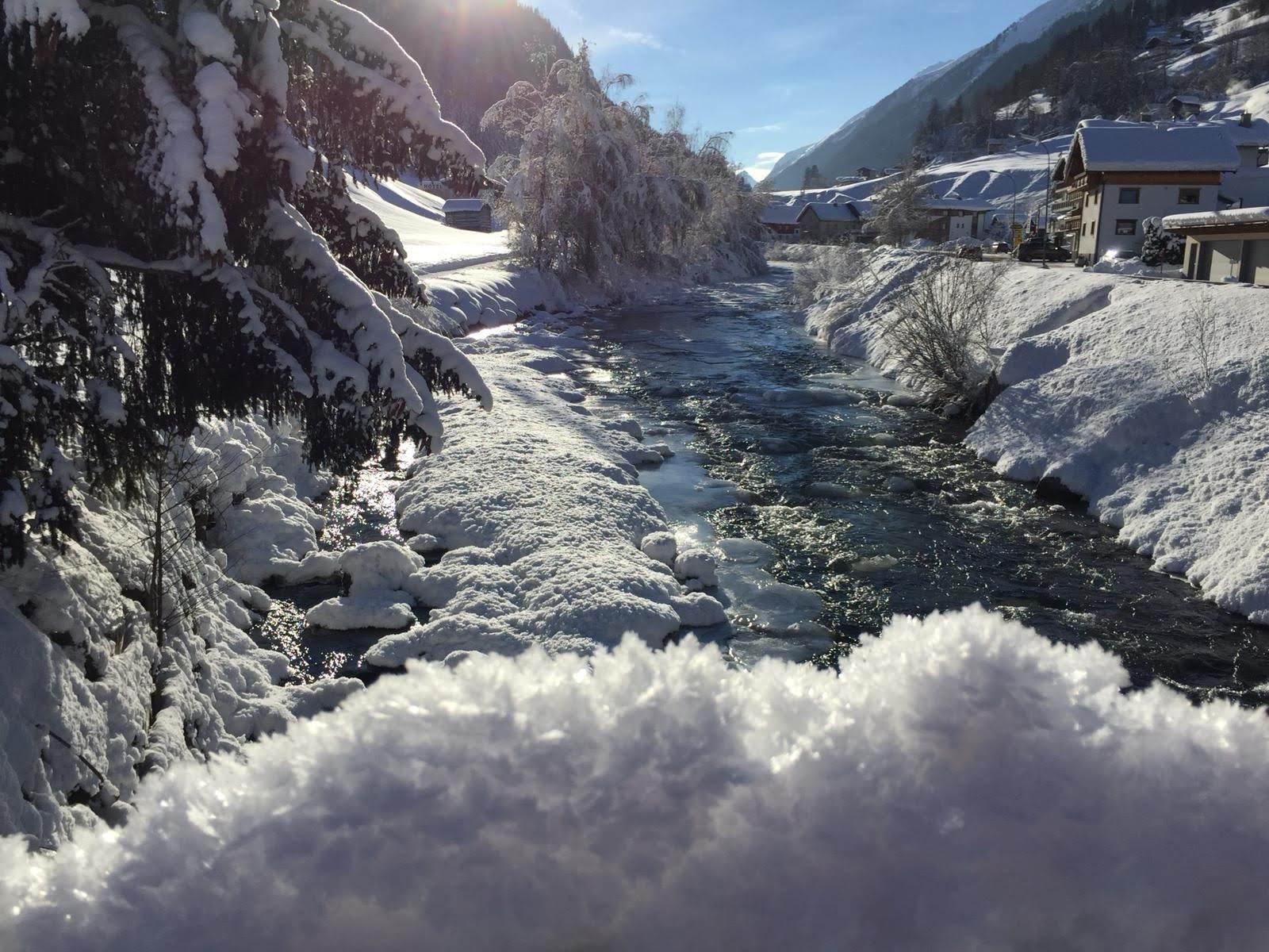 Wildbach Trisanna im verschneiten Winter