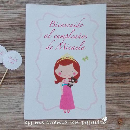 Cartel de bienvenida al cumpleaños de la princesa y su osito marrón
