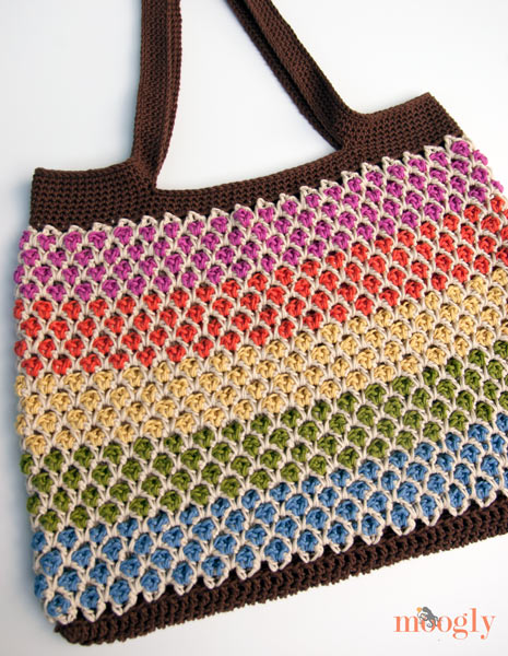 Moroccan Market Tote Free Crochet Pattern  |  via Crochetrendy