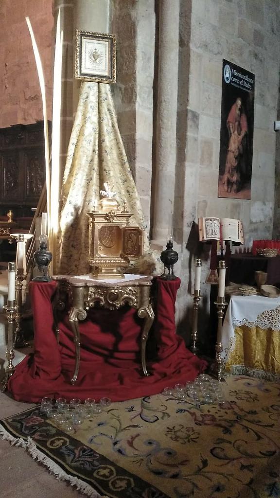 El monumento eucarístico que es tradición montar en Semana Santa