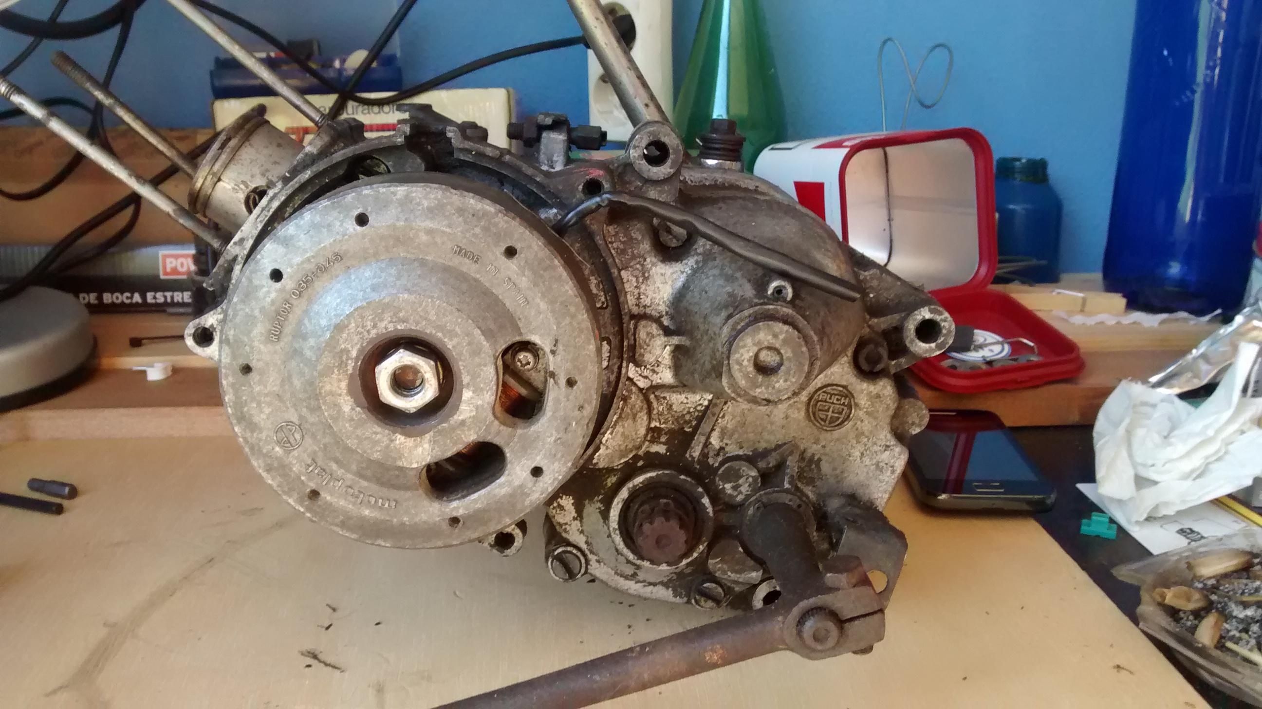 Puch Varias - Sacar Adelante Motor 4v. Motor020