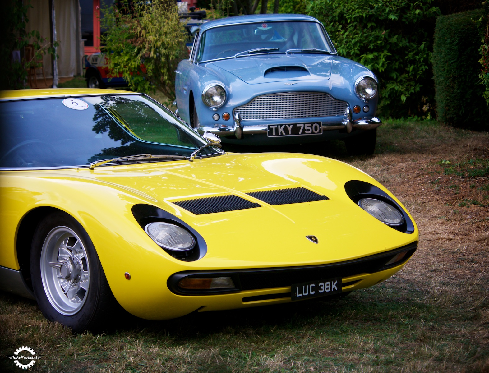 Can I display black and silver number plates on my classic car?