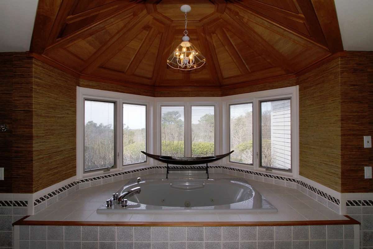 18 Farm Hill Road Wood Ceiling & Whirlpool Tub