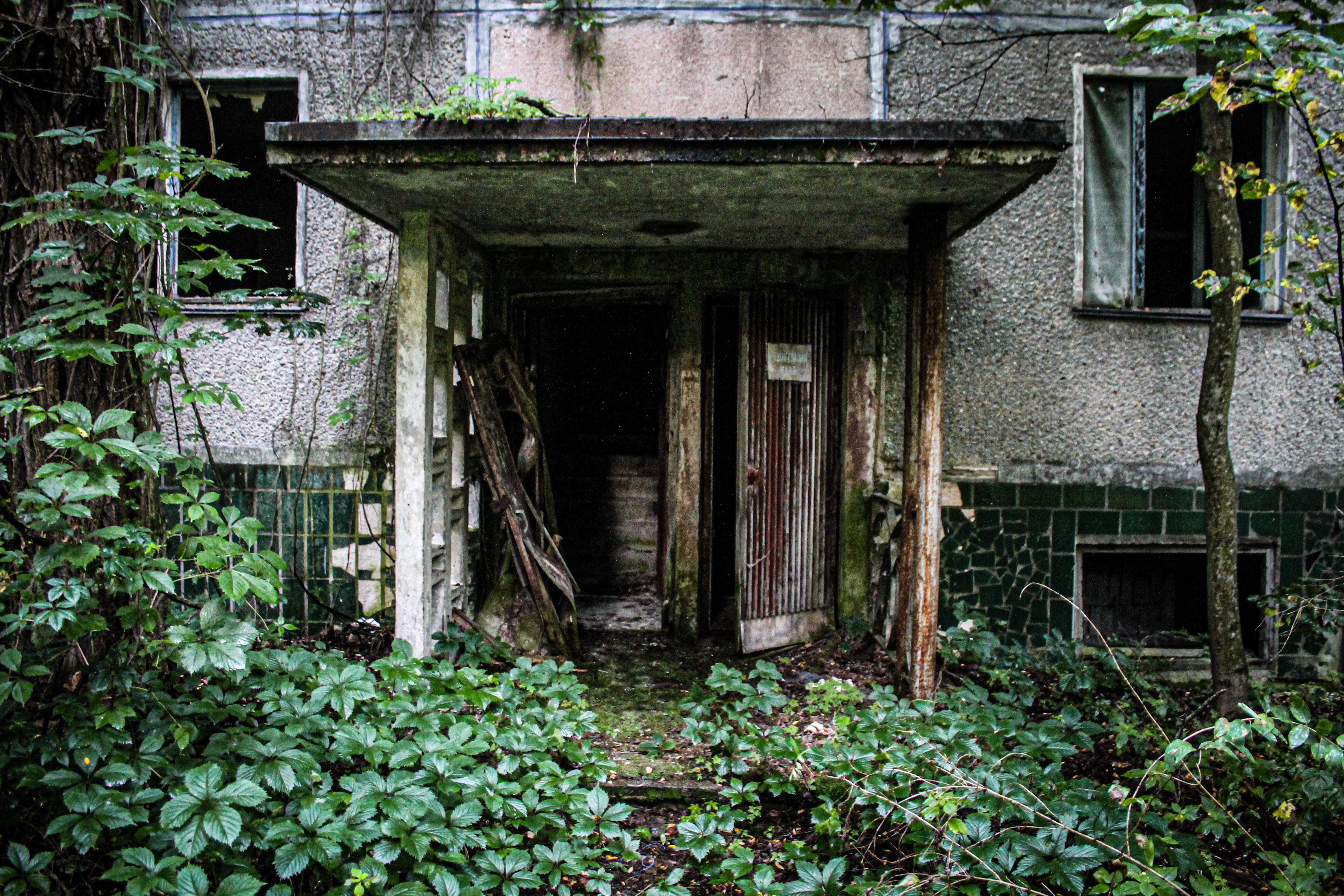 Нелегальный поход в Зону отчуждения: Припять, путь на квартиру