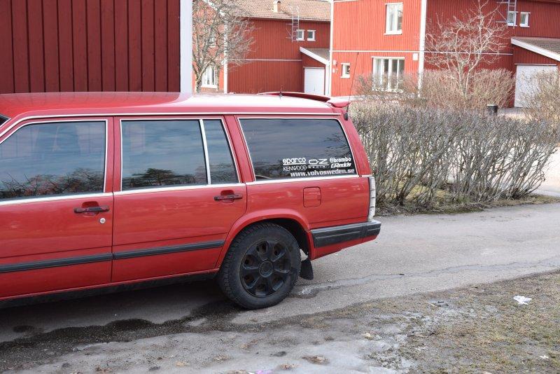 dl.dropboxusercontent.com/s/rxa3541pl687k08/Volvo_v70_vinge_monterad_pa_volvo740.jpg