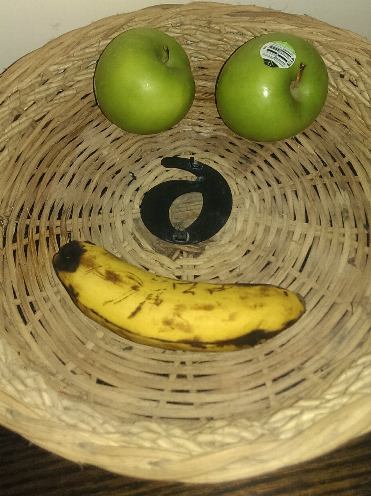 cover-image Almost empty fruit basket