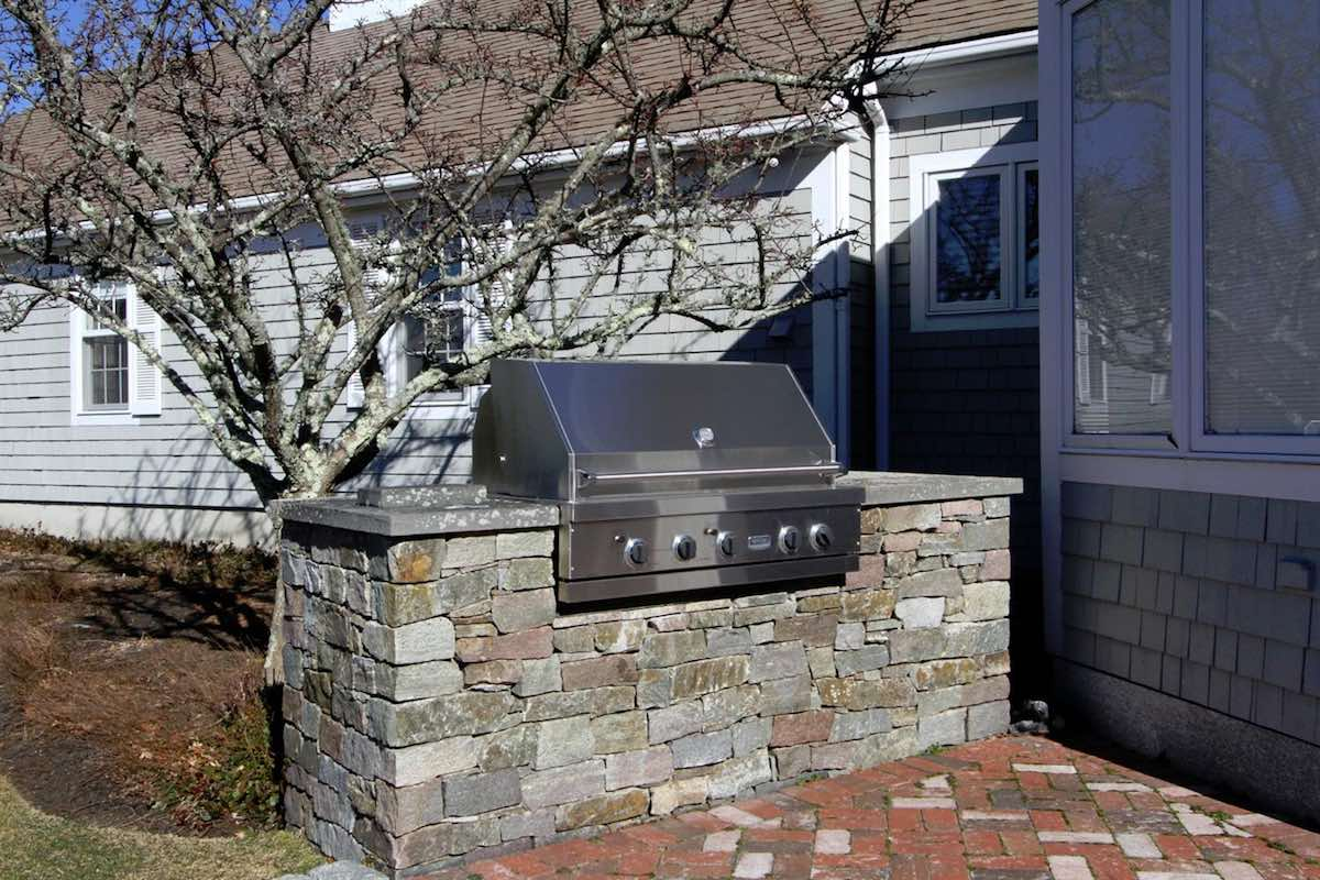 18 Farm Hill Road Patio w/Stone Grill Enclosure