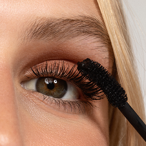 How to use The Big Clean Mascara – Black by Kosas