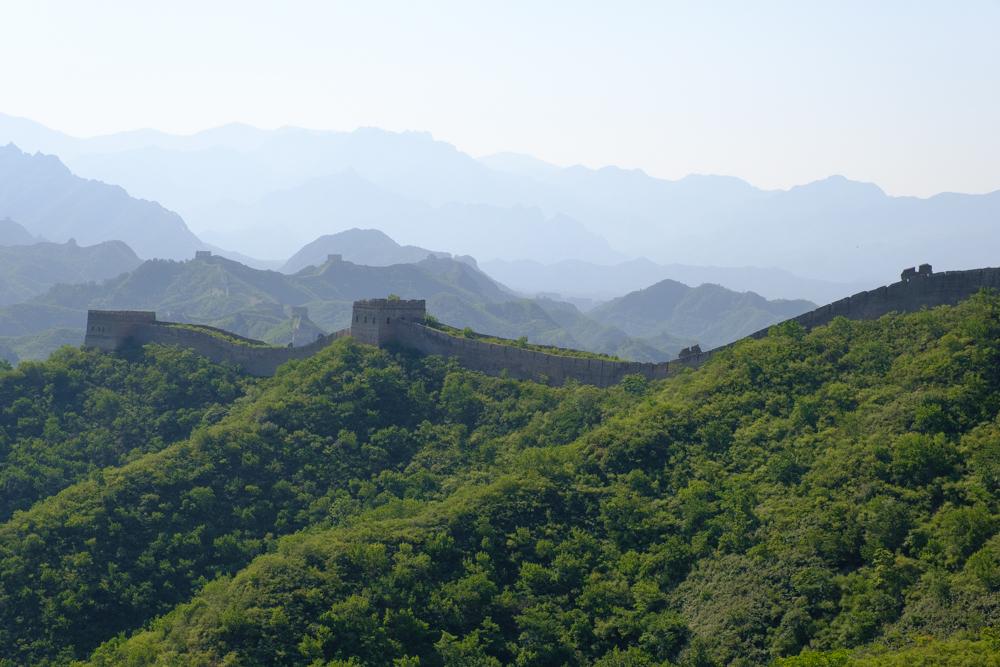 Het ongerestaureerde deel bestaat uit vele ruwe stukken en kapotte uitkijktorentjes.